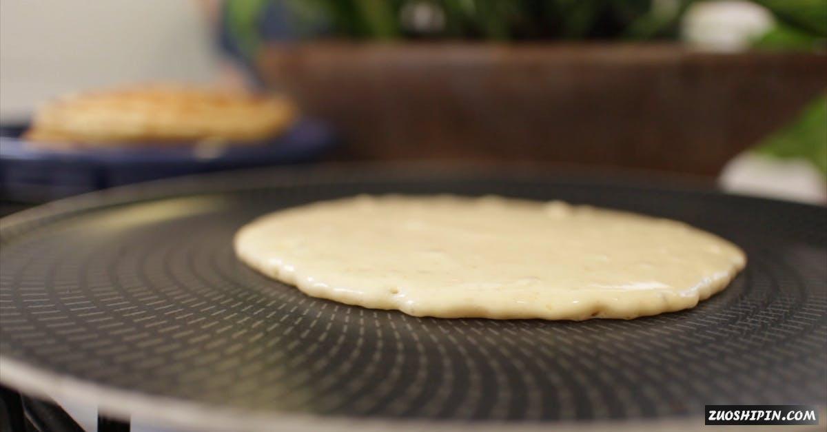 2959327 早餐煎饼制作焦点4K视频素材插图